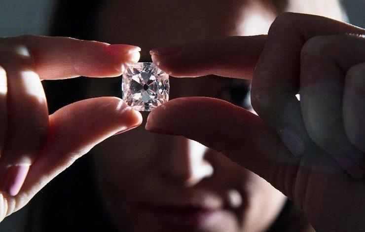 Le Grand Mazarin: Το πετράδι του στέμματος