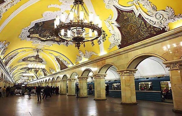 Στάση μετρό Komsomolskaya, δείγμα εντυπωσιακής διακόσμησης στο μετρό της Μόσχας