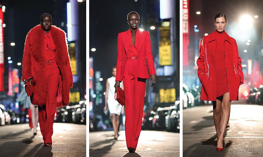 Φωτιά στα κόκκινα… με κοστούμια, μαντό με γούνα ή ένα πλεκτό μίνι φόρεμα με ένα αστραφτερό πανωφόρι