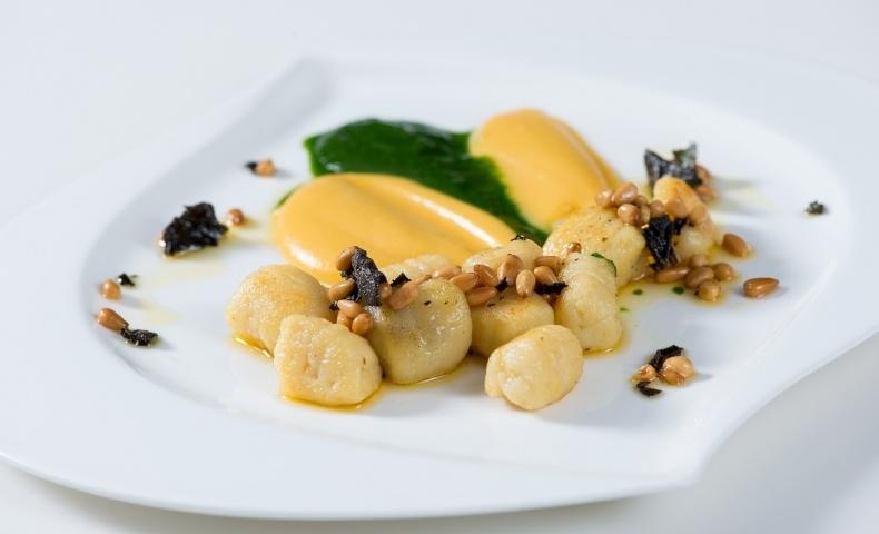 Νιόκι πατάτας με κουκουνάρι, απλό αλλά εντυπωσιακό πιάτο!