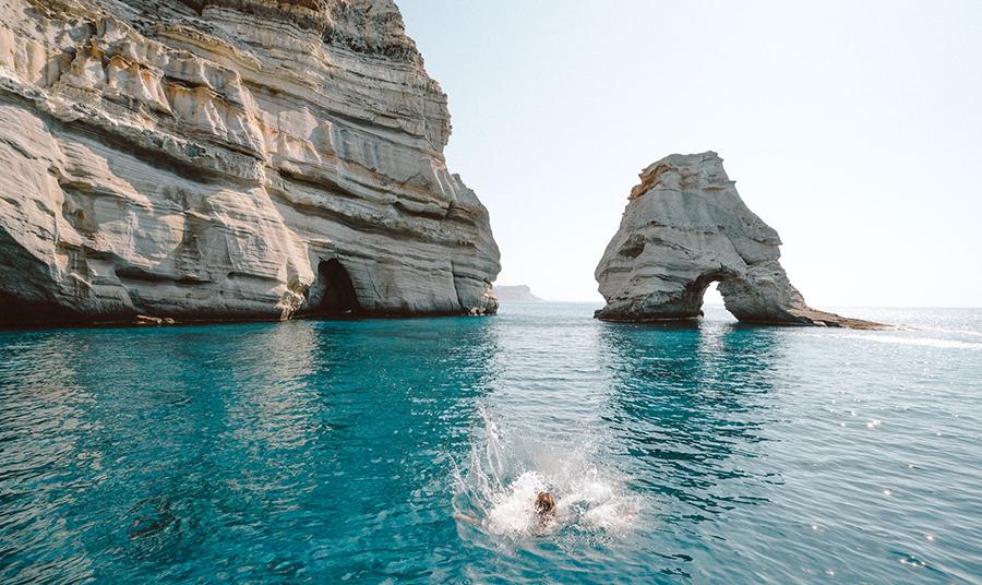 Η Μήλος ψηφίστηκε ως το ωραιότερο νησί της Ευρώπης για το 2019!