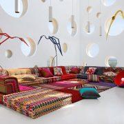 Ο καναπές «Mah Jong» της Roche Bobois ντυμένος με υφάσματα Missoni
