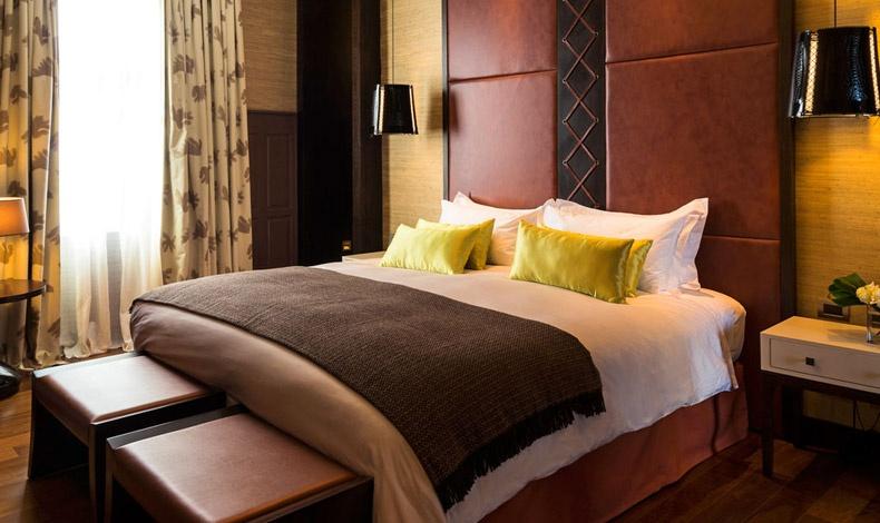 Ύπνος στα? πούπουλα με ειδικά σχεδιασμένα κρεβάτια και μοναδικά κλινοσκεπάσματα