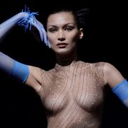 Mugler και Bella Hadid: Το σέξι βίντεο της νέας συλλογής κόβει την ανάσα!