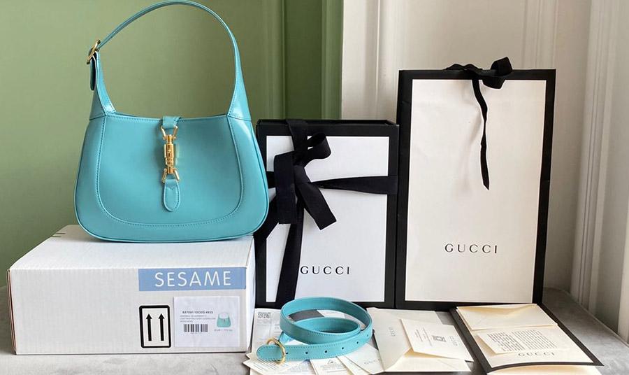 Η νέα τσάντα έχει ήδη γίνει η αγαπημένη πολλών γυναικών, διαχρονική, κλασική και μοντέρνα ταυτόχρονα