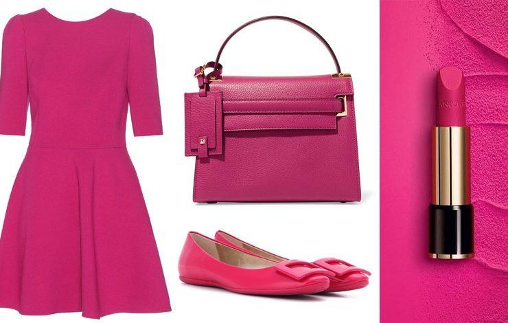 To σκούρο φούξια είναι ένα ιδανικό χρώμα! Μην το φοβηθείτε! Φόρεμα, Dolce&Gabbana // Tσάντα, Valentino // Παπούτσια, Roger Vivier // Κραγιόν φούξια, από τη συλλογή Le Rouge Absolu, Lancome