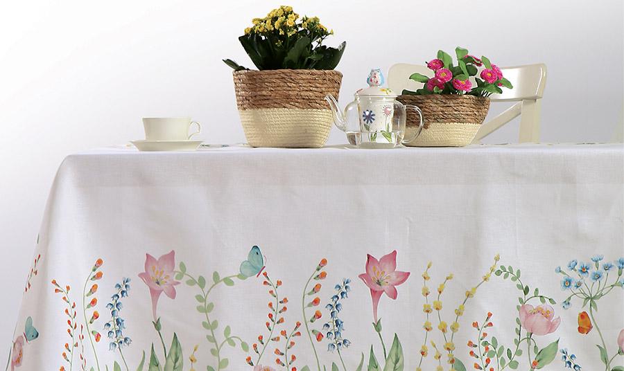 Τραπεζομάντιλο σε λευκό με όλα τα λουλούδια και τα χρώματα της ανοιξιάτικης φύσης για να στρώσετε εντυπωσιακά στο τραπέζι σας, Nef Nef Homeware