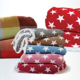 Κουβέρτα καναπέ με γουνάκι, Night Stars (130x170) 29,00 // Κουβέρτα καναπέ με γουνάκι, Crimson, 29,00, όλα ΝΕF NEF HOMEWARE
