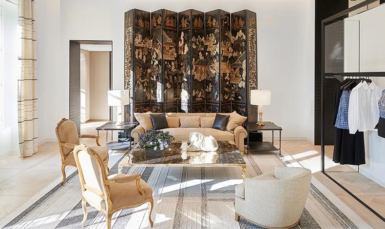 Ο δεύτερος μάλιστα όροφος έχει διακοσμηθεί με έμπνευση από το στιλ του διαμερίσματος της Chanel
