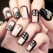 Logomania Mani: Η νέα τρέλα στα νύχια!