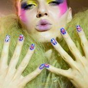 Tάσεις στα νύχια στο MADWALK