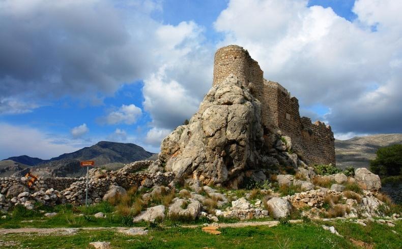 Υπέροχη θέα από το Κάστρο της Χρυσοχεριάς