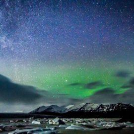 Δεν υπάρχει καλύτερο μέρος στον κόσμο από την παγωμένη Ισλανδία για να γιορτάσει κανείς το χειμερινό ηλιοστάσιο και να υποδεχτεί τον χειμώνα
