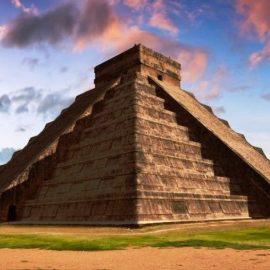 Το χειμερινό ηλιοστάσιο έχει τη δική του οπτική ψευδαίσθηση στο Chichen Itza στο Μεξικό