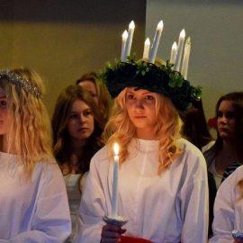 Το χειμερινό ηλιοστάσιο είναι μια μεγάλη υπόθεση σε όλες τις σκανδιναβικές χώρες και κυρίως η γιορτή της Santa Lucia με τα κορίτσια να ντύνονται στα λευκά και να φορούν στεφανάκια με κεριά