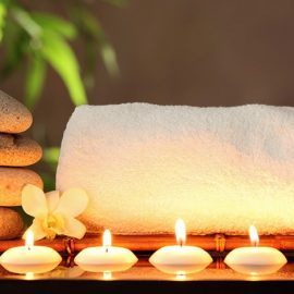 Η αγαπημένη μας μυρωδιά μπορεί να πλημμυρίζει το μπάνιο μας με αρωματικά στικς, κεριά ή ειδικά αρωματικά