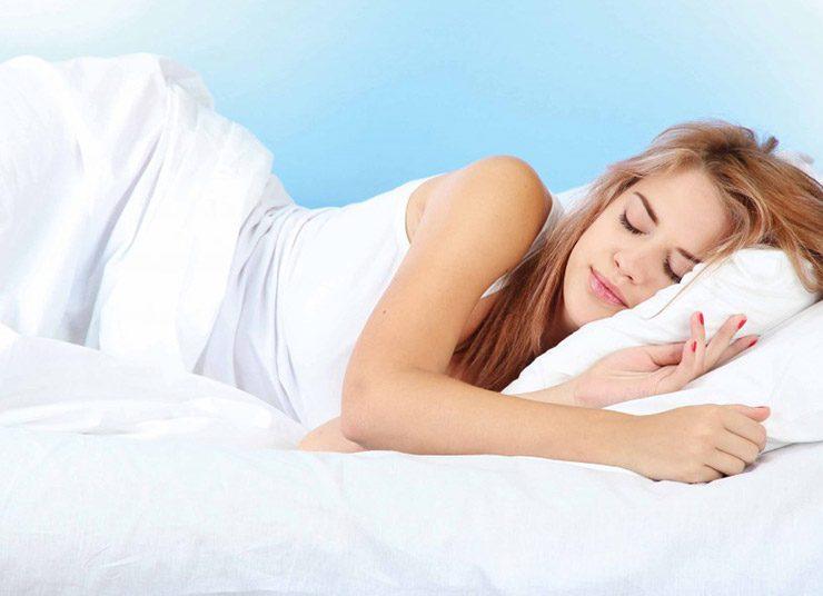 Κάνετε ντους στις 8.30 μ.μ. αν θέλετε να κοιμηθείτε καλύτερα!