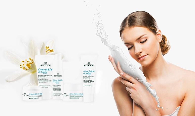 Η σειρά 24ωρης ενυδάτωσης Crème Fraîche®, με φυτικούς γαλακτώδεις χυμούς και λευκά άνθη, ξεδιψάει, καταπραϋνει και αναζωογονεί την αφυδατωμένη επιδερμίδα, χωρίς parabens