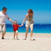 Ταξίδι με παιδιά: Ό,τι χρειάζεται να ξέρετε από πριν!