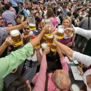 Oktoberfest: Το πανηγύρι της μπίρας
