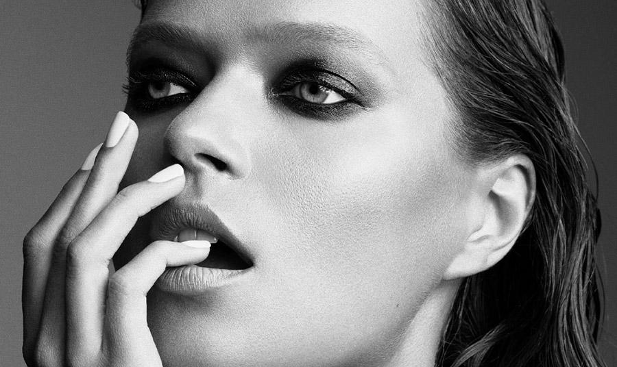 Ένας χρόνος πανδημία: Πώς έχει αλλάξει τη ρουτίνα της ομορφιάς μας;