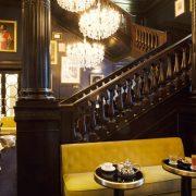 Κομψότητα και στιλ στο μπαρ