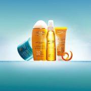 Creme Solaire Anti-age, νέα βελούδινη αντηλιακή κρέμα προσώπου, Lait Solaire Hydratant, βελούδινο ενυδατικό γαλάκτωμα σώματος και Huile Solaire Soyeuse, μεταξένιο ξηρό λάδι, BIOTHERM