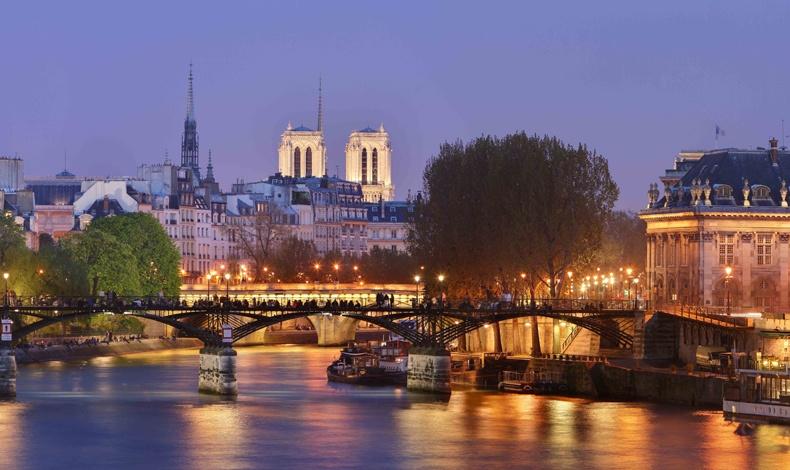 Μία από τις πιο ρομαντικές και ερωτικές πόλεις στον κόσμο σας περιμένει!