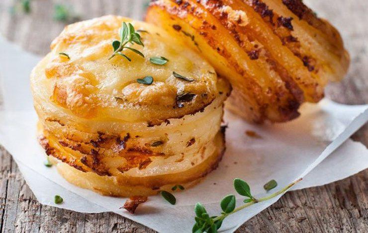 Πατάτες με τυρί ογκρατέν για πάρτι