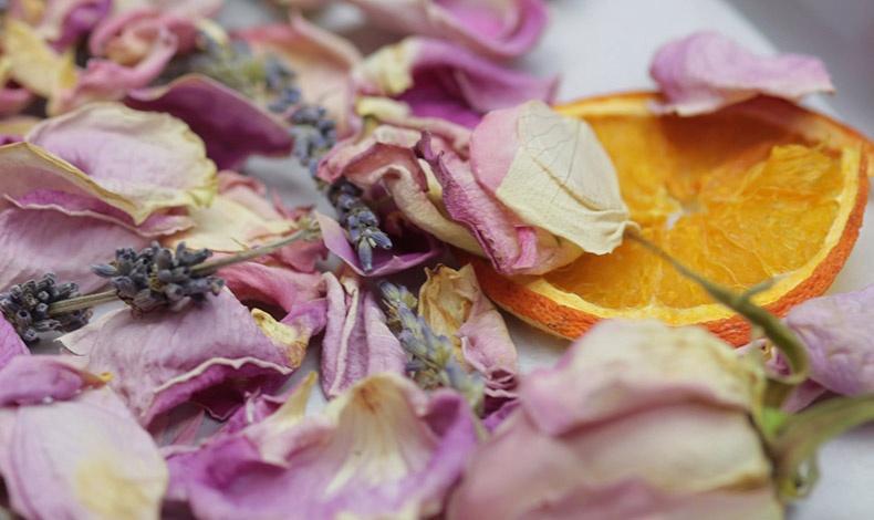 Δημιουργήστε ένα υπέροχο αρωματικό ποτ πουρί που διώχνει την ένταση και χαρίζει ηρεμία!
