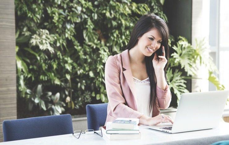 Πέντε τρόποι για να ακουγόμαστε πιο επαγγελματίες στο τηλέφωνο