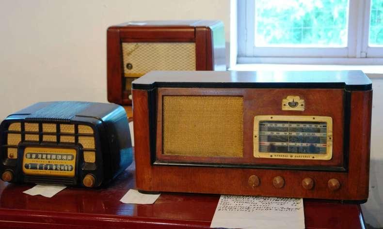 Κάποια από τα εκθέματα του Ραδιοφωνικού Μουσείου