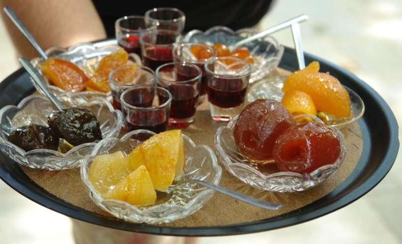 Μεγάλη ποικιλία από παραδοσιακά γλυκά του κουταλιού