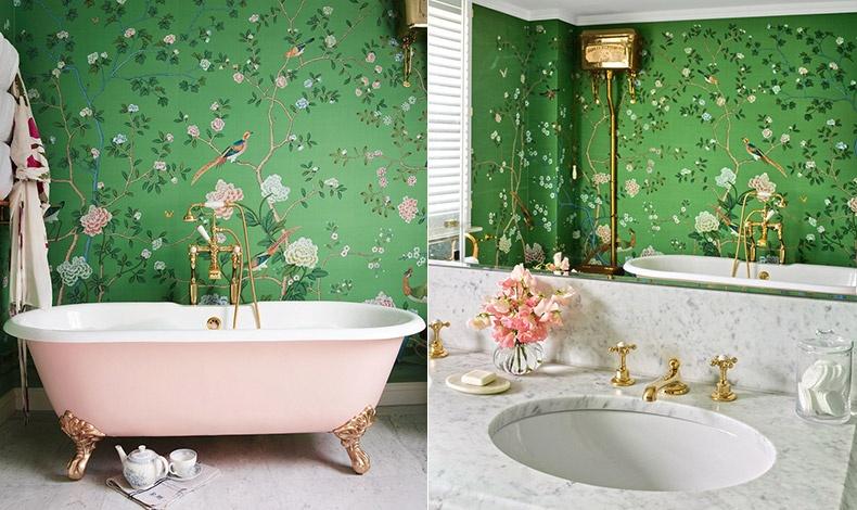 Το απίστευτα κομψό μπάνιο με την ροζ μπανιέρα και τους τοίχους ζωγραφισμένους στο χέρι σε μεταξοτυπία από De Gournay