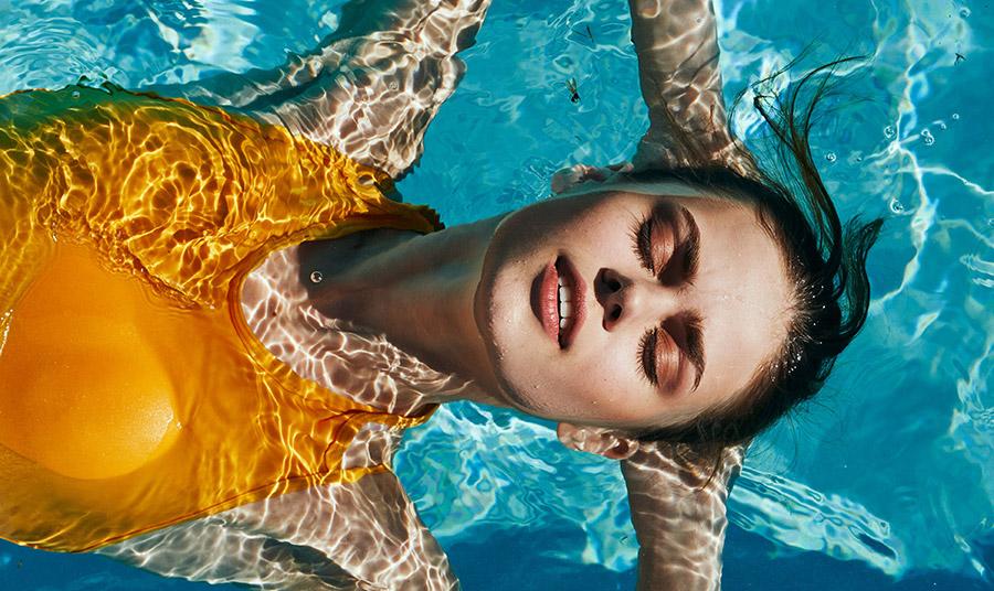 Για να απολαύσουμε το καλοκαίρι, καλό είναι να φοράμε παντού και πάντοτε το αντηλιακό μας και όχι μόνο στη θάλασσα και την πισίνα