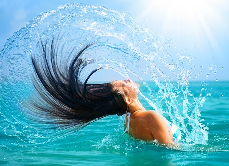 Προστατέψτε τα μαλλιά σας το καλοκαίρι!