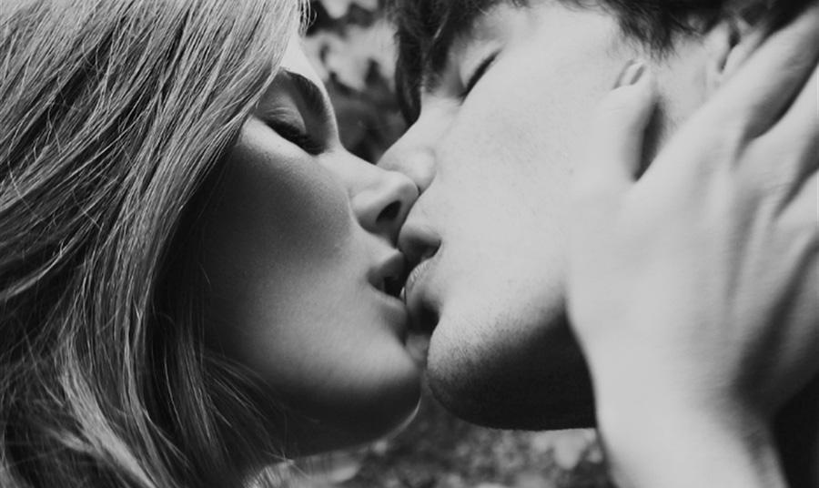 Έτοιμη για το πρώτο φιλί!