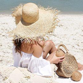 Ψάθινα καπέλα: Όσο μεγαλύτερα τόσο καλύτερα!