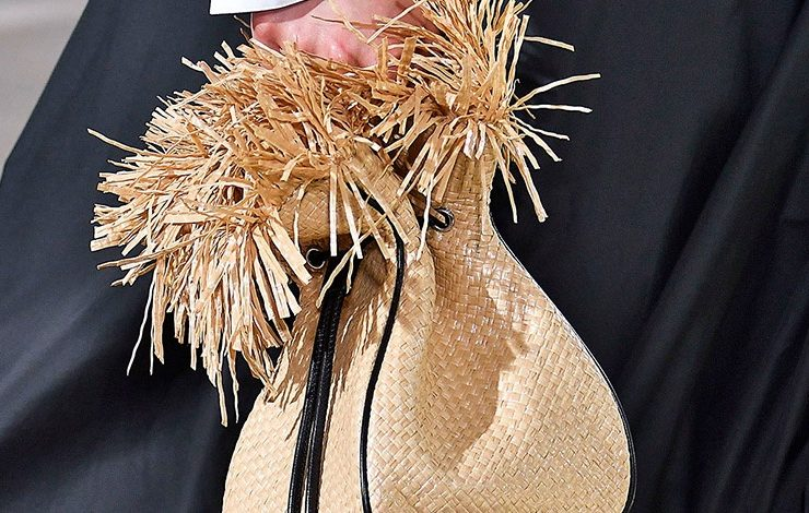 Ψάθινη τσάντα: Το αξεσουάρ που «κραυγάζει» καλοκαίρι!