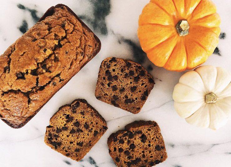 Ψωμί με κολοκύθα και σταγόνες σοκολάτας