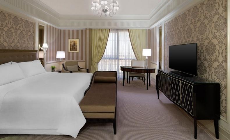 Ένα από τα δωμάτια του πεντάστερου St Regis