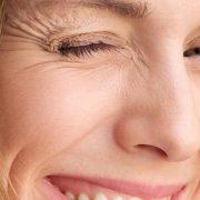 Τι υποστηρίζει η ψυχολογία για τις ρυτίδες έκφρασης