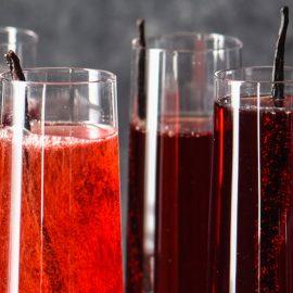 Κοκτέιλ κρασιού με χυμό ρόδι και βανίλια