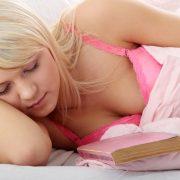 Τι μας μαθαίνουν τα ροζ μυθιστορήματα;