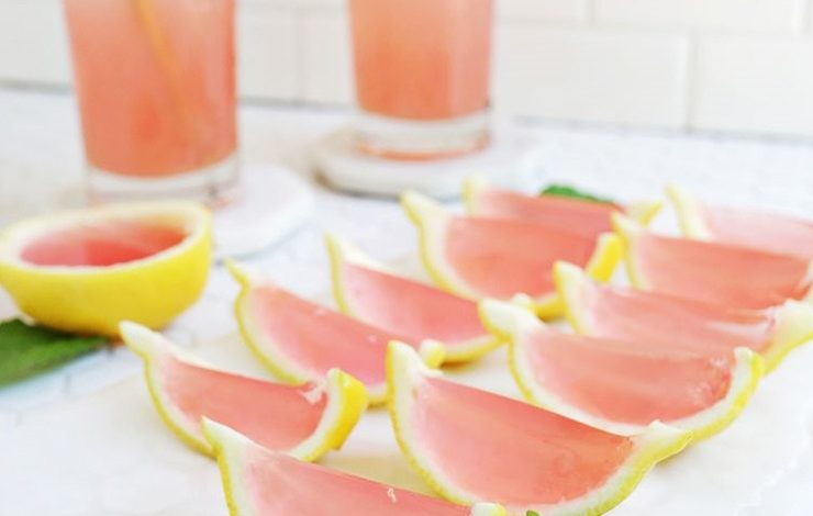 Ροζ σφηνάκια με ζελέ λεμονιού
