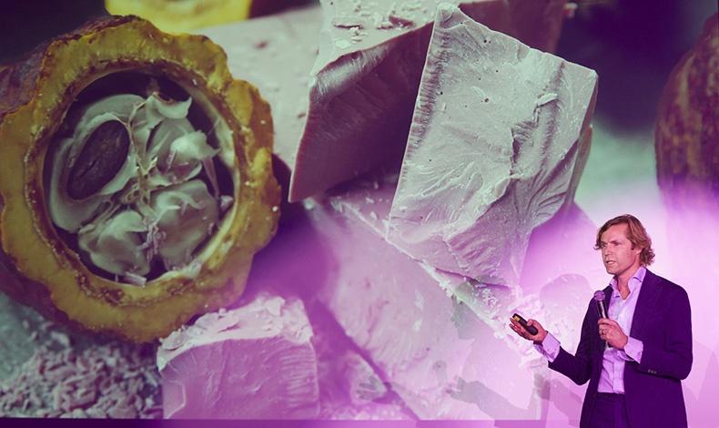 Ο Bas Smit, Global Vice President Marketing της Callebaut (της μεγαλύτερης σοκολατοβιομηχανίας στον κόσμο που δημιούργησε τη νέα σοκολάτα) μίλησε για την ανακάλυψη των κόκκων σοκολάτας Ruby, καθώς και για τις ιδιαιτερότητες αυτής της νέας σοκολάτας