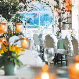 Το βραβευμένο με αστέρι Michelin εστιατόριο La Sponda και τα τετρακόσια κεριά που ανάβουν για το δείπνο