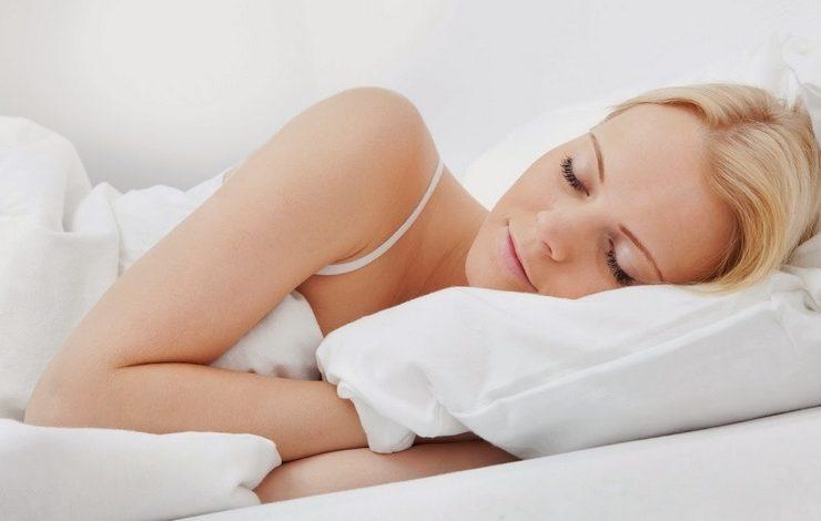 Για να απολαμβάνουμε τον ύπνο μας, απαιτείται η καθαριότητα στα σεντόνια και τα κλινοσκεπάσματά μας! Αποφεύγουμε έτσι τα ακάρεα και τις πιθανές αλλεργίες