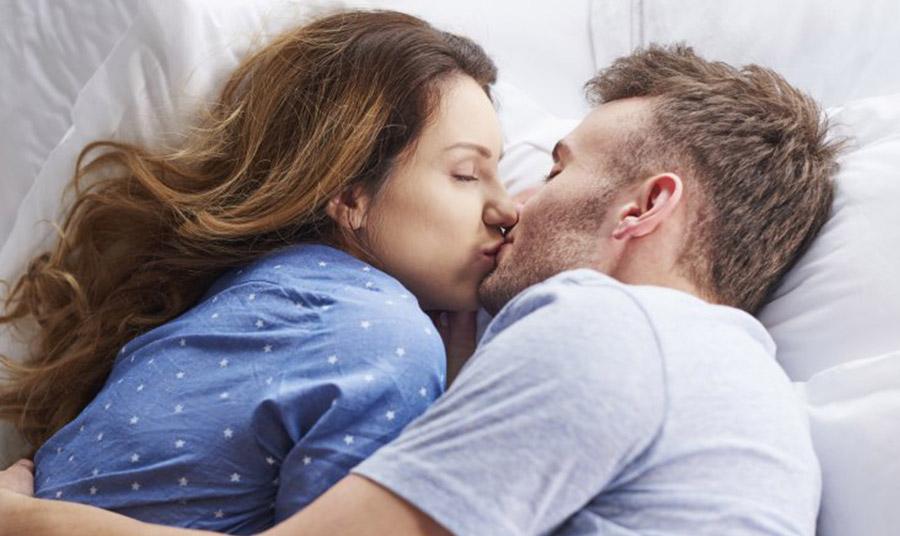 Το φιλί με κλειστό στόμα