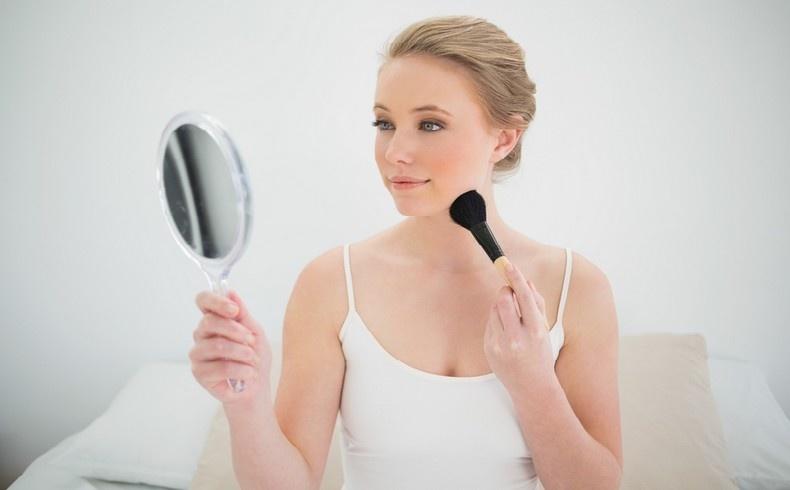 Οι 9 συμβουλές που σώζουν το μακιγιάζ σας!